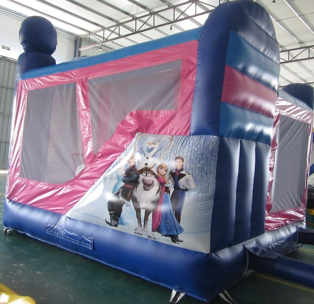 Frozen_Jumping_Castle_slide